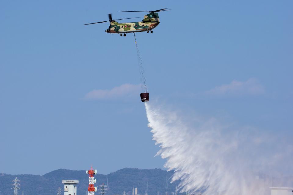 yabyanさんの航空自衛隊 Kawasaki CH-47J Chinook (47-4490) 航空フォト