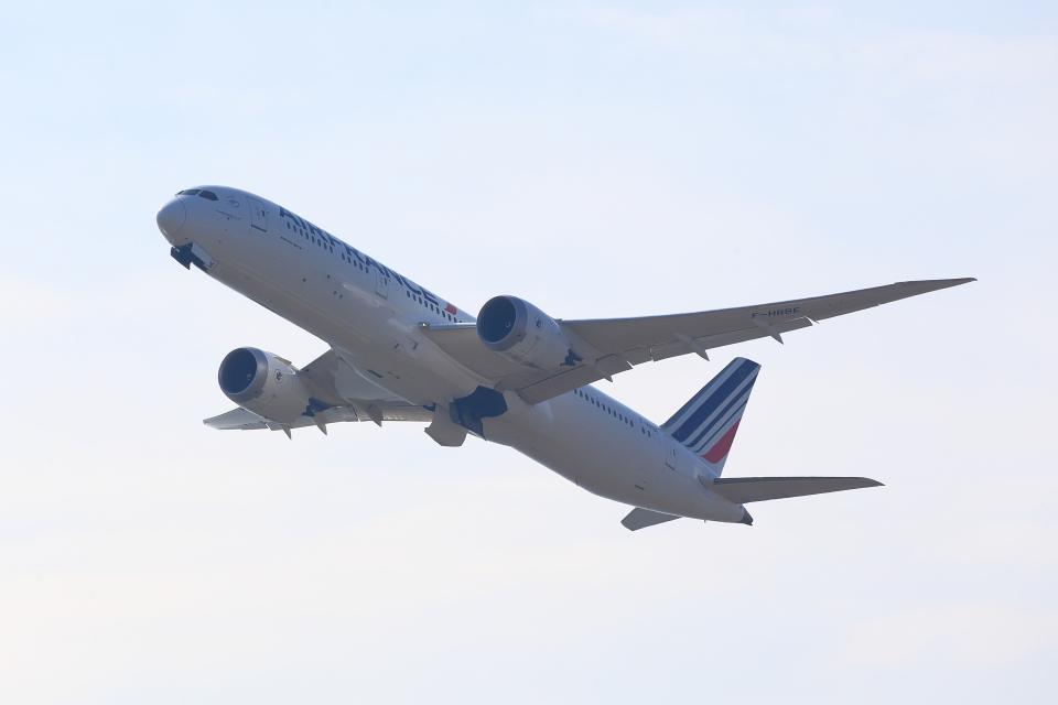 T.Sazenさんのエールフランス航空 Boeing 787-9 (F-HRBE) 航空フォト