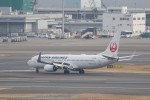わいどあさんが、羽田空港で撮影した日本航空 737-846の航空フォト(写真)