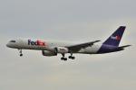 フリューゲルさんが、成田国際空港で撮影したフェデックス・エクスプレス 757-236(SF)の航空フォト(写真)