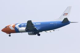 kinsanさんが、スカルノハッタ国際空港で撮影したマイ・インド・エアラインズ 737-330(QC)の航空フォト(飛行機 写真・画像)