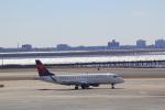 しかばねさんが、ジョン・F・ケネディ国際空港で撮影したデルタ・コネクション ERJ-170-200 LR (ERJ-175LR)の航空フォト(飛行機 写真・画像)