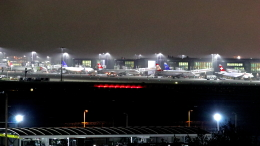 誘喜さんが、ロンドン・ヒースロー空港で撮影したスイスインターナショナルエアラインズ BD-500-1A10 CSeries CS100の航空フォト(飛行機 写真・画像)