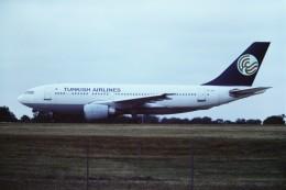 tassさんが、ロンドン・スタンステッド空港で撮影したターキッシュ・エアラインズ A310-203の航空フォト(飛行機 写真・画像)