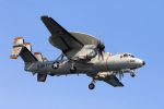 kazuchiyanさんが、岩国空港で撮影したアメリカ海軍 E-2D Advanced Hawkeyeの航空フォト(写真)