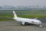 starlightさんが、羽田空港で撮影した日本航空 777-246の航空フォト(写真)