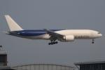 ぽんさんが、香港国際空港で撮影したサザン・エア 777-F16の航空フォト(写真)
