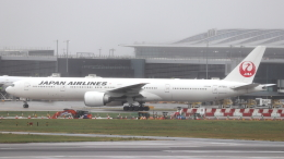 誘喜さんが、ロンドン・ヒースロー空港で撮影した日本航空 777-346/ERの航空フォト(飛行機 写真・画像)