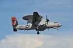 デデゴンさんが、岩国空港で撮影したアメリカ海軍 E-2D Advanced Hawkeyeの航空フォト(写真)