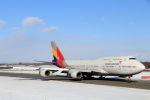 funi9280さんが、新千歳空港で撮影したアシアナ航空 747-48Eの航空フォト(写真)