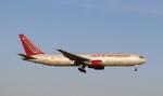 ハム太郎。さんが、横田基地で撮影したオムニエアインターナショナル 767-328/ERの航空フォト(写真)
