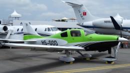 westtowerさんが、シンガポール・チャンギ国際空港で撮影したセスナ・エアクラフト・カンパニー T240 Corvalis TTxの航空フォト(飛行機 写真・画像)