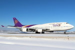 セブンさんが、新千歳空港で撮影したタイ国際航空 747-4D7の航空フォト(飛行機 写真・画像)