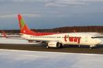 セブンさんが、新千歳空港で撮影したティーウェイ航空 737-8HXの航空フォト(飛行機 写真・画像)