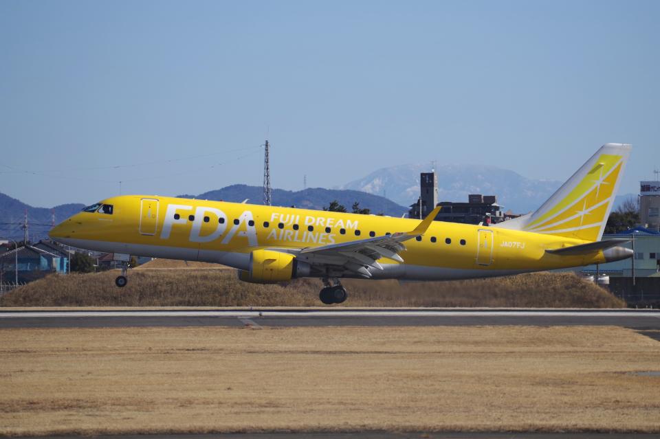 yabyanさんのフジドリームエアラインズ Embraer ERJ-175 (JA07FJ) 航空フォト
