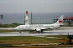 乗り物大好きライター・ヨッシーさんが、那覇空港で撮影した日本トランスオーシャン航空 737-446の航空フォト(写真)