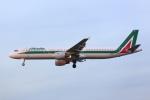 安芸あすかさんが、ロンドン・ヒースロー空港で撮影したアリタリア航空 A321-112の航空フォト(写真)