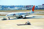 まいけるさんが、福岡空港で撮影した日本航空 777-246の航空フォト(写真)