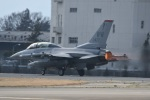 382kossyさんが、横田基地で撮影したアメリカ空軍 F-16DM-50-CF Fighting Falconの航空フォト(写真)