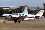 なごやんさんが、名古屋飛行場で撮影したジェイピーエー 58 Baronの航空フォト(写真)
