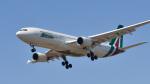パンダさんが、成田国際空港で撮影したアリタリア航空 A330-202の航空フォト(写真)