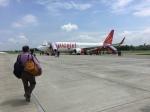 FlyHideさんが、ゴラクプル空港で撮影したスパイスジェット 737-8GJの航空フォト(写真)