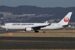 冷やし中華始めましたさんが、伊丹空港で撮影した日本航空 767-346/ERの航空フォト(写真)