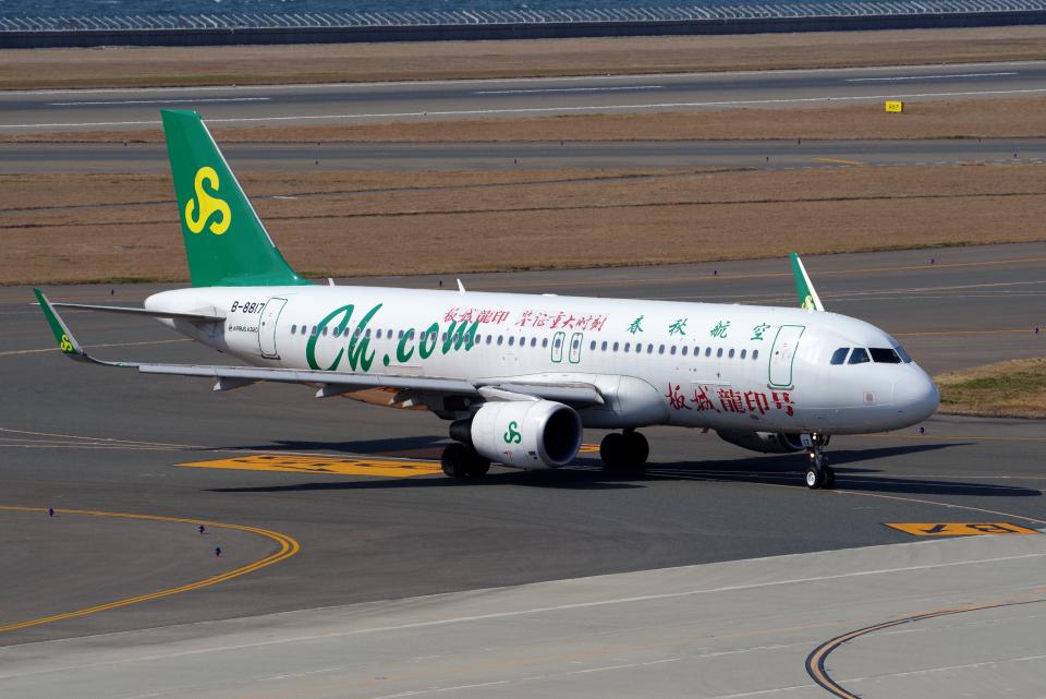 yabyanさんの春秋航空 Airbus A320 (B-8817) 航空フォト