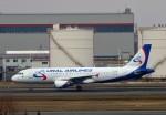 にしやんさんが、新千歳空港で撮影したウラル航空 A320-214の航空フォト(写真)