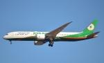 鉄バスさんが、成田国際空港で撮影したエバー航空 787-9の航空フォト(写真)