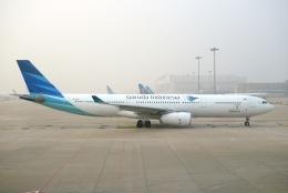 FlyHideさんが、北京首都国際空港で撮影したガルーダ・インドネシア航空 A330-343Eの航空フォト(飛行機 写真・画像)