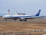 ここはどこ?さんが、新千歳空港で撮影した全日空 777-381の航空フォト(飛行機 写真・画像)