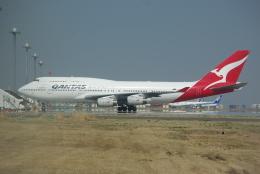 ぼのさんが、羽田空港で撮影したカンタス航空 747-438の航空フォト(写真)