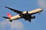 YASKYさんが、成田国際空港で撮影したターキッシュ・エアラインズ 777-FF2の航空フォト(写真)