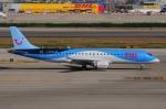ぼんやりしまちゃんさんが、バルセロナ空港で撮影したトゥイ・エアラインズ・ベルギー ERJ-190-100(ERJ-190STD)の航空フォト(写真)