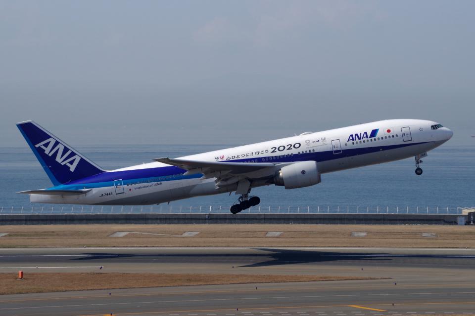 yabyanさんの全日空 Boeing 777-200 (JA744A) 航空フォト