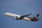 JA8037さんが、成田国際空港で撮影したUPS航空 767-34AF/ERの航空フォト(写真)