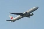 shingenさんが、羽田空港で撮影した日本航空 777-289の航空フォト(写真)