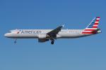 PASSENGERさんが、ロサンゼルス国際空港で撮影したアメリカン航空 A321-211の航空フォト(写真)