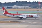 mojioさんが、成田国際空港で撮影したティーウェイ航空 737-8KNの航空フォト(写真)