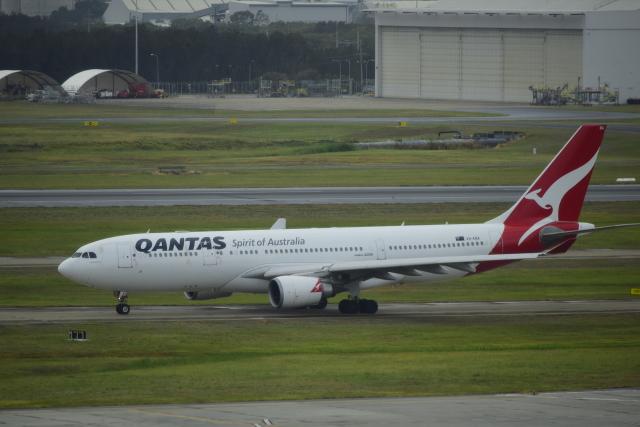 twinengineさんが、ブリスベン空港で撮影したカンタス航空 A330-202の航空フォト(飛行機 写真・画像)
