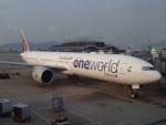JA8037さんが、香港国際空港で撮影したカタール航空 777-3DZ/ERの航空フォト(写真)