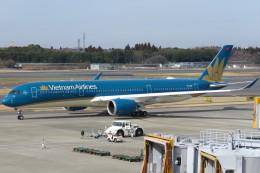 SFJ_capさんが、成田国際空港で撮影したベトナム航空 A350-941XWBの航空フォト(写真)