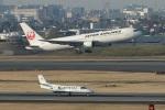 なぞたびさんが、伊丹空港で撮影した日本航空 767-346/ERの航空フォト(写真)