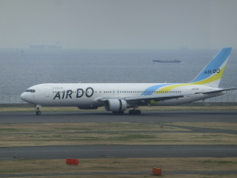 ヒロリンさんが、羽田空港で撮影したAIR DO 767-33A/ERの航空フォト(写真)