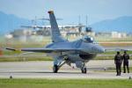 ちゃぽんさんが、岩国空港で撮影したアメリカ空軍 F-16CM-50-CF Fighting Falconの航空フォト(写真)