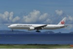 kumagorouさんが、那覇空港で撮影した日本航空 777-346の航空フォト(写真)