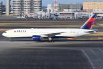 sky-spotterさんが、羽田空港で撮影したデルタ航空 777-232/ERの航空フォト(写真)