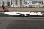 sky-spotterさんが、羽田空港で撮影したエア・カナダ 777-233/LRの航空フォト(写真)