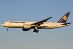 sky-spotterさんが、成田国際空港で撮影したルフトハンザ・カーゴ 777-FBTの航空フォト(写真)
